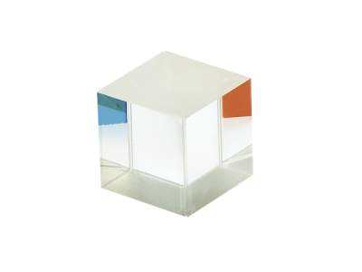 0.5 in. (12.7 mm) broadband polarizing cube beamsplitter